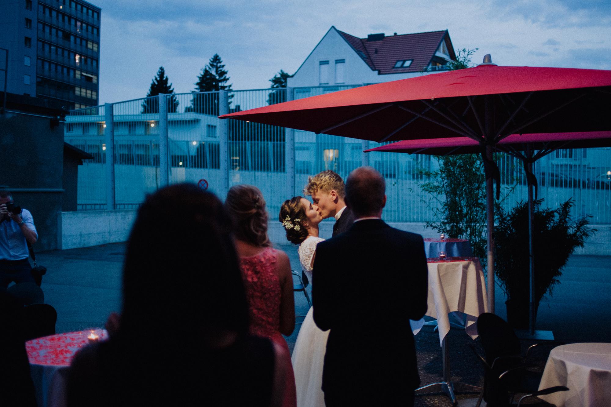 Joni&Aurelia_Wedding_DieGiesserei_Zurich_ManonPauffinPhotography__MG_3597_LOres